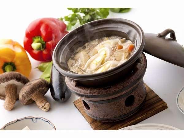 上州地粉の太い麺と季節の野菜が色々たくさん入ったおきりこみうどん