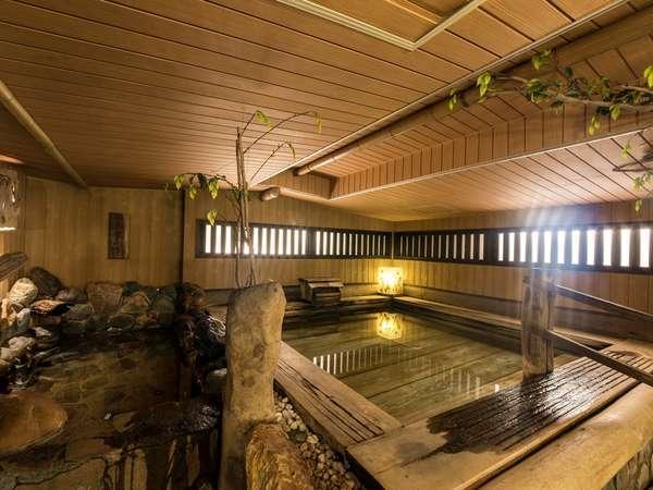 <大浴場>檜の香りが心地よい、大きなお風呂でリフレッシュ
