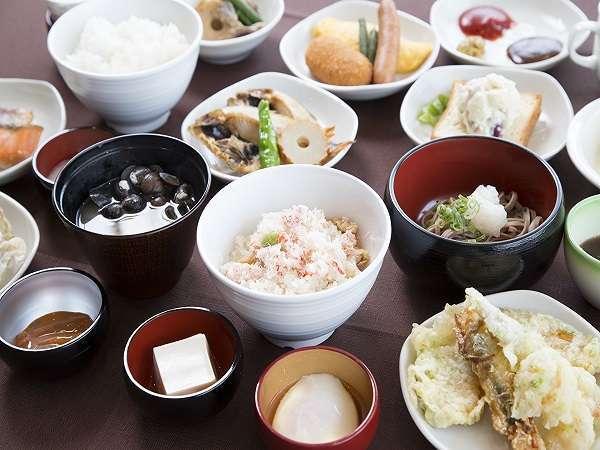 ◆朝食バイキング一例 自慢の蟹飯をどうぞ♪