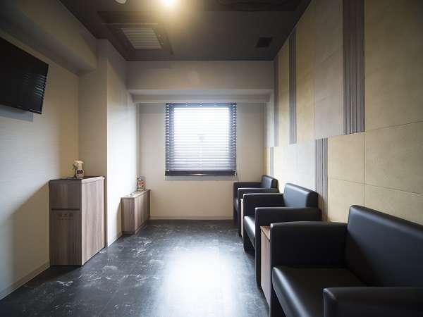 ◆喫煙ブース(1階、3階、6階、9階、11階)