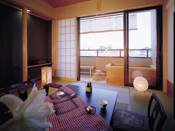 客室一例。露天風呂付の客室。温泉利用。全室禁煙になります。