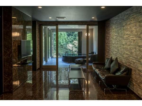 全室「豊沢川」に面した60平米以上の露天風呂付スイートルーム。全て趣が異なるデザインとなっております