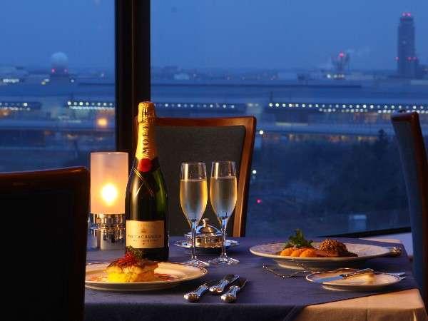 特別な夜に華を添える空港夜景と星のように輝きながら飛立つ旅客機★