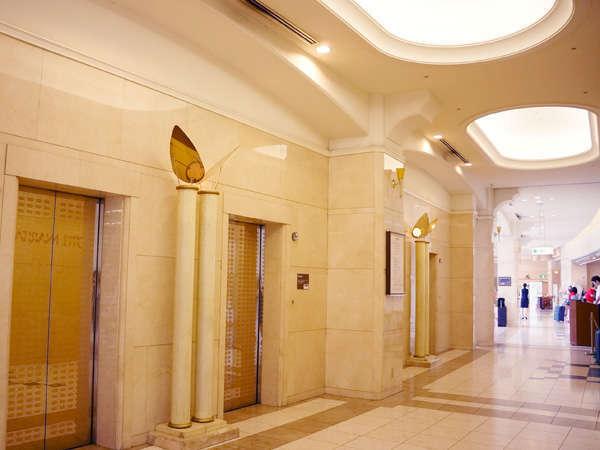 【1階】エレベーターホール 館内には2箇所エレベーターがございます