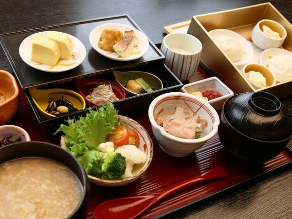 ◆京のおばんざいと季節の胡麻豆腐のはんなり茶粥膳(写真はイメージです)