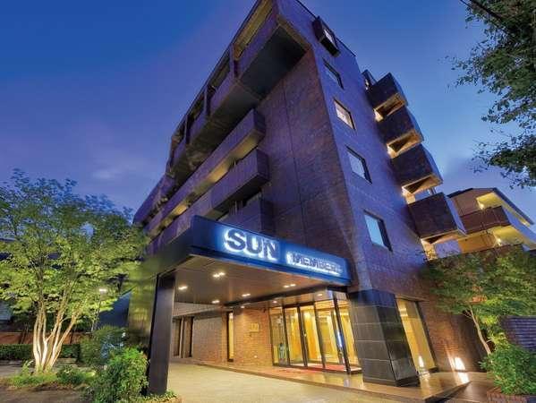 ◆ホテル外観(丸太町通りに面した建物です)