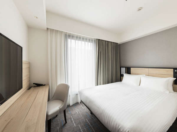 【客室】スーペリア・部屋広さ…17~18㎡・宿泊人数…1~3名・ベッド幅…140cm