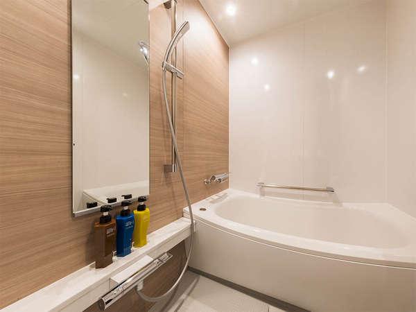 【風呂】バスルーム・バスルームには洗い場がついております。