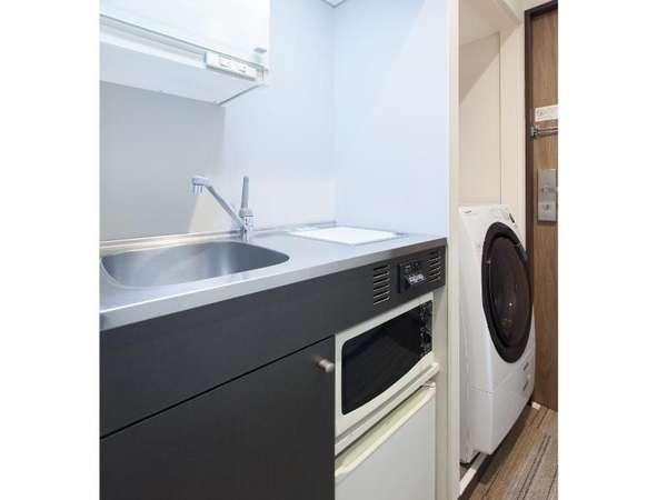 お部屋に洗濯乾燥機・ミニキッチンが付いています♪(シングルA除く)