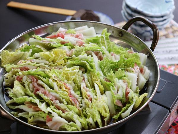 冬の料理は無農薬の自家製野菜タップリの鍋