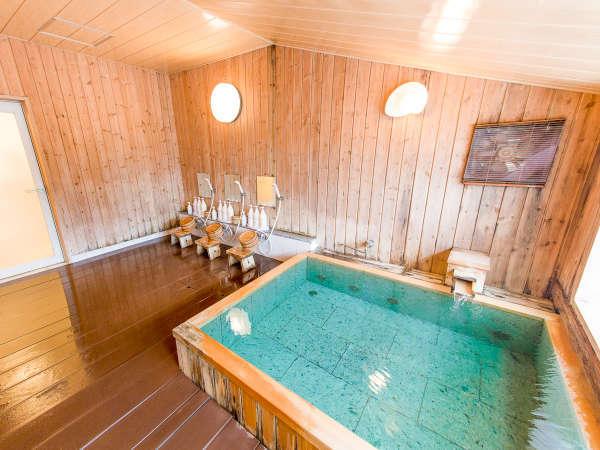 【天然温泉大浴場】海が見えるスリムながらゆっくりできる大浴場♪