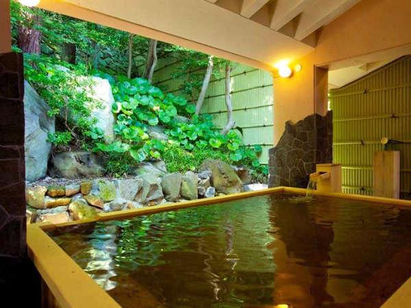 〔ホテル パ・ヴォーネ〕【スパ◆瑞穂の湯】 まずは緑を眺めながらゆったりと♪『露天の槙風呂』