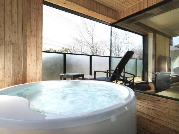 ◆展望バス付デラックス和洋室/お風呂は癒しをもたらすシルキーバス(客室一例)