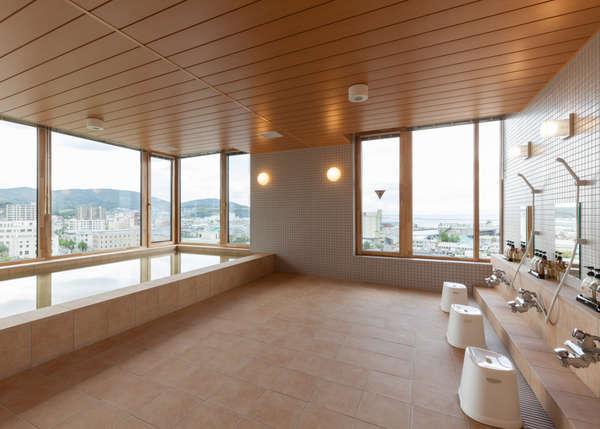 最上階大浴場(男女入れ替え制)小樽の港を一望できます