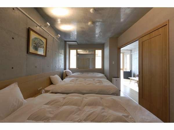 スタンダードルーム45㎡ トリプルルーム寝室