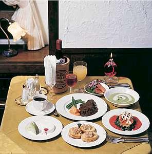ヒレステーキ中心の洋風コース料理