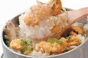 ほくほくの雲丹と帆立の釜飯。雲丹の甘さと帆立からの出汁、釜飯のおこげがベストマッチ