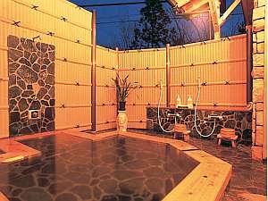 天然温泉100%かけ流しの露天風呂