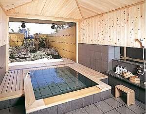 木曽檜を使用 ゆったりとした貸切家族風呂