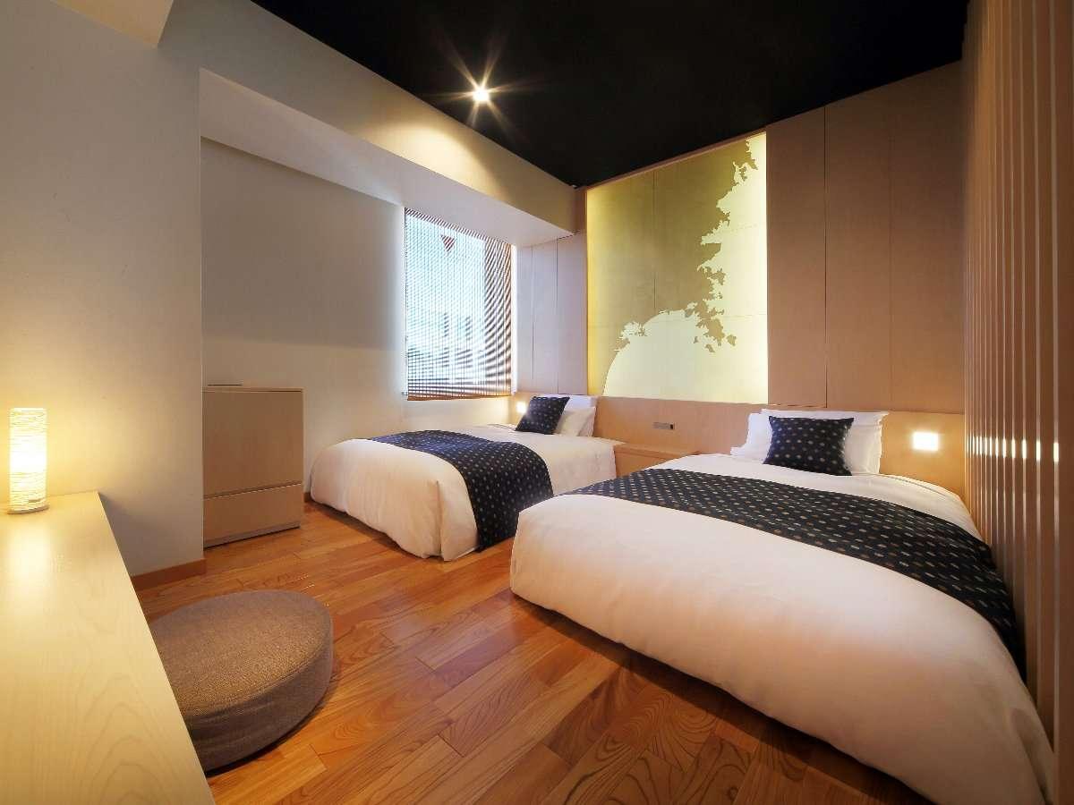 一室限定のみやぎルーム♪海岸線をモチーフにしたお部屋が特徴です。木の温もりがあるツインルームです。