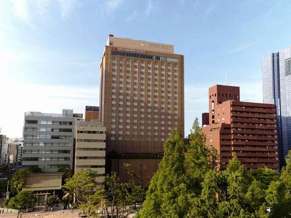 緑豊かな平和大通りに面し、ビジネス・レジャーに最高の立地です。
