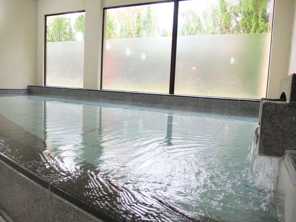 【大浴場・小浴場】サウナ付の大浴場でごゆっくりとご入浴下さいませ