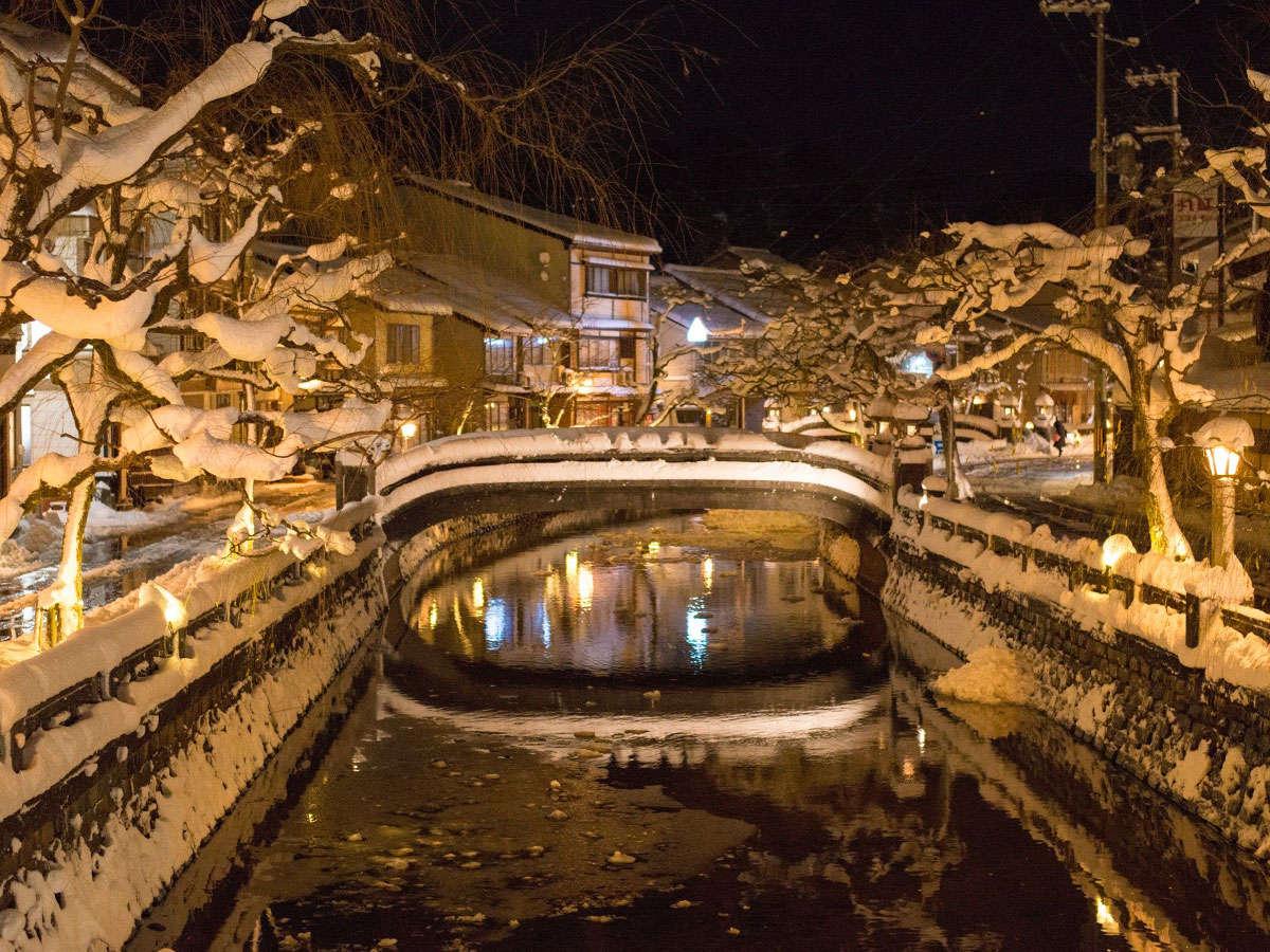 *お天気次第では城崎温泉が雪化粧。外湯めぐりとそぞろ歩きをお楽しみください