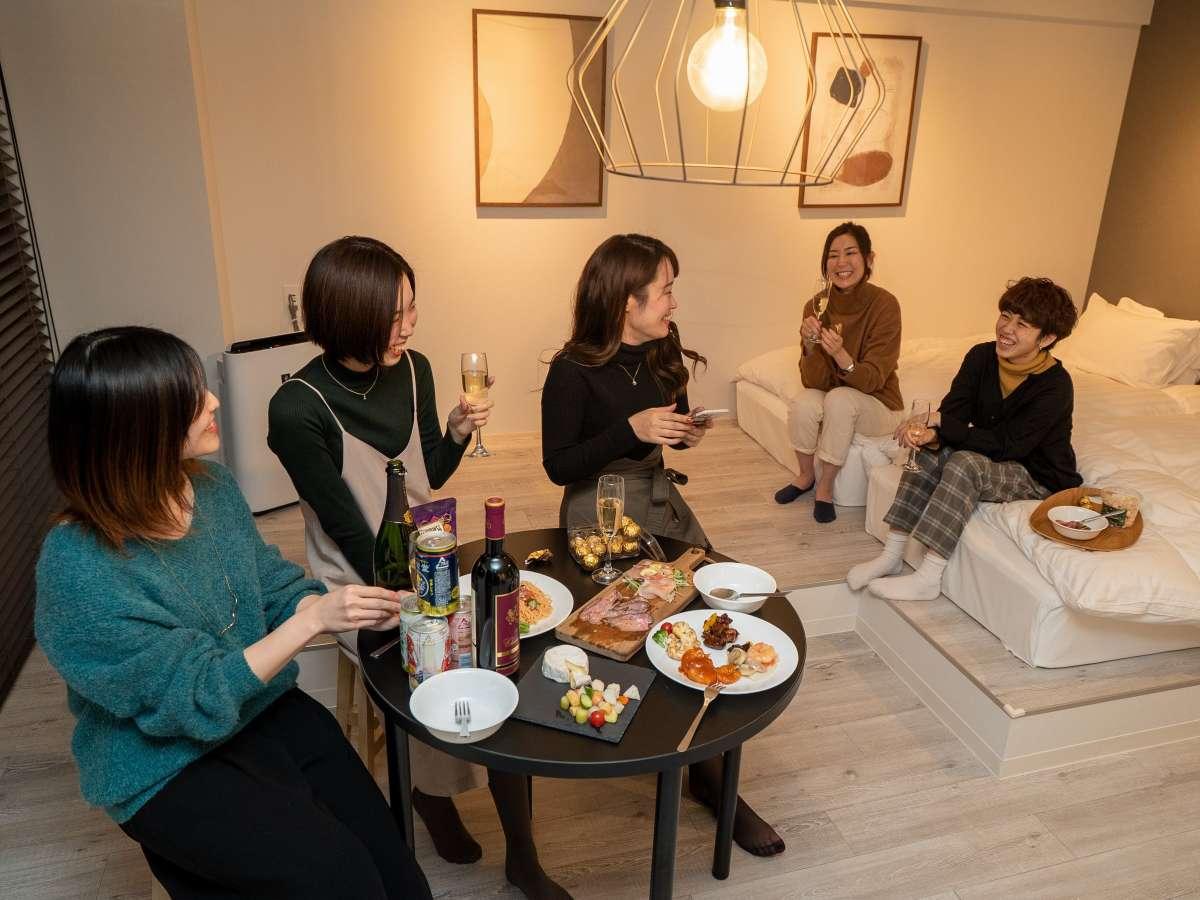 【イメージ】広いお部屋は、お友達同士やご家族・お子様連れのご滞在にも最適です♪