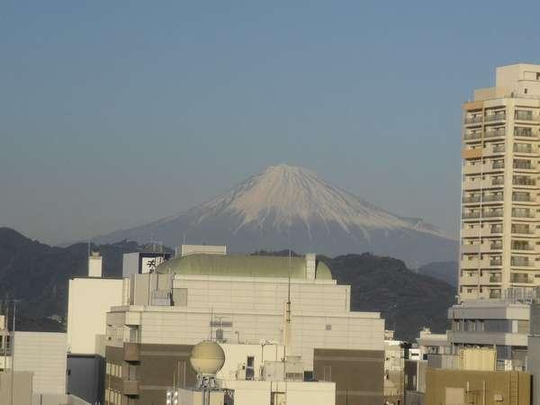 高層階からの景色(一部の客室のみ) 天気にもよりますが「富士山」をご覧頂けます!