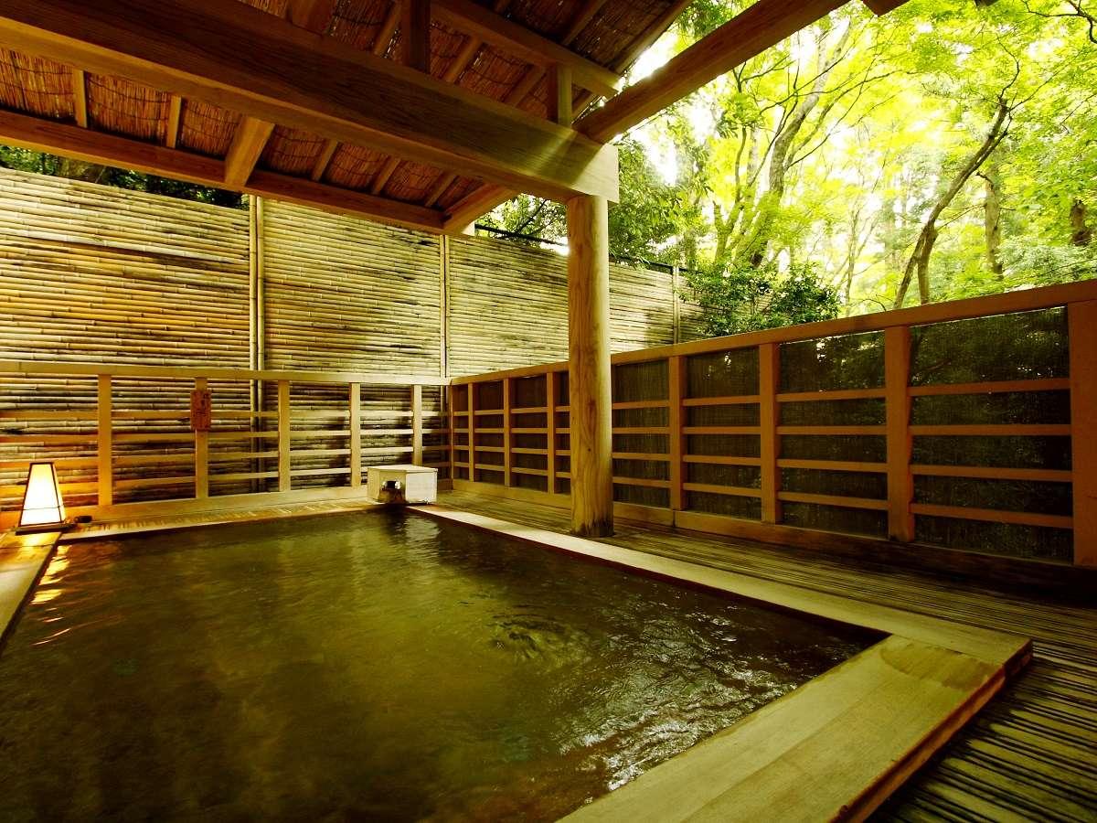 水の音で過ごす時間は、とことん温泉を満喫できる、湯巡り三昧のお宿です。