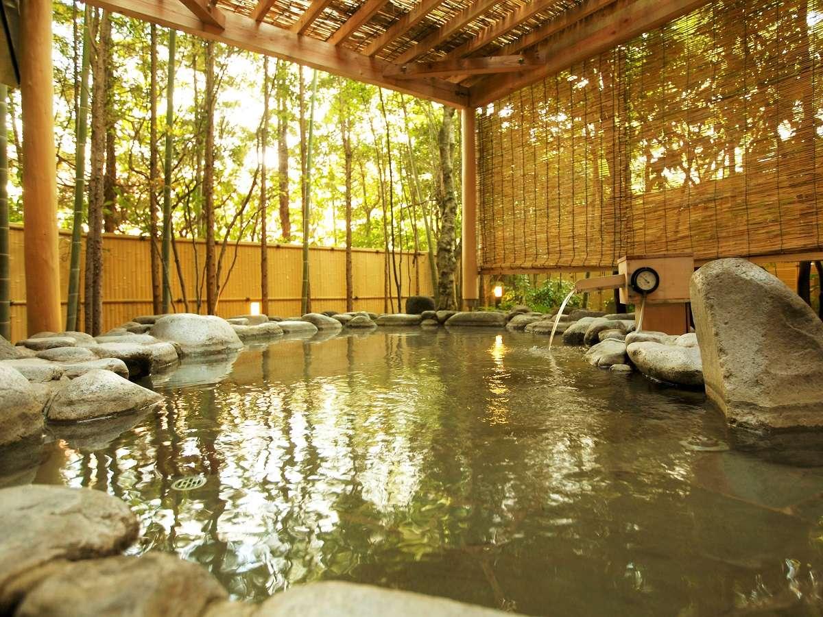 2つの源泉と3つの貸切風呂、そして4つの大浴場。ひとつの宿に2つの源泉を持つ温泉自慢の宿。