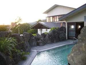 露天風呂に夕陽をみながら入って、ストレス解消!!