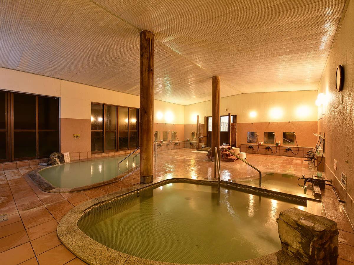 *【大浴場】名峰鳥海山麓に自然に湧き出す療養泉の効き湯。
