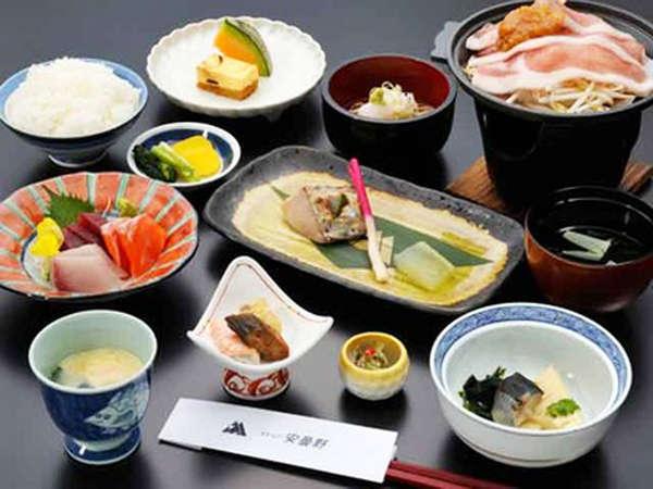 *【スタンダード和食コース一例】安曇野の名産を中心に全9品をご用意致します。