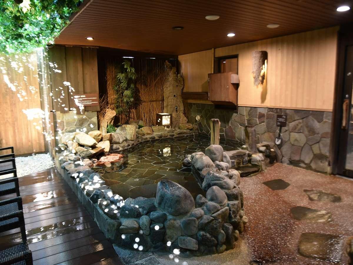【男性】外気浴(湯温:41~43℃)