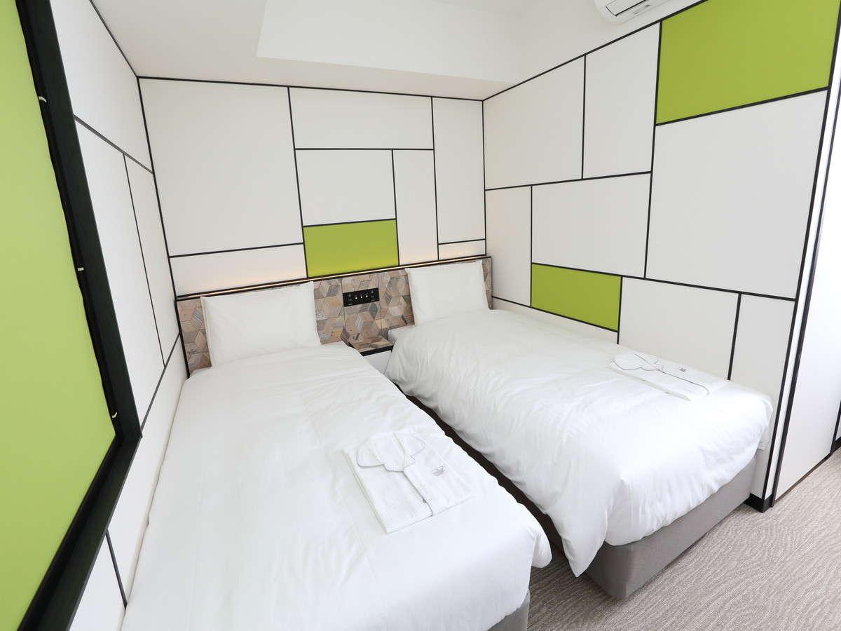 枕元にコンセント・USBポート付き!フランスベッド社と共同開発したマットレス、ロフテーの枕を採用。