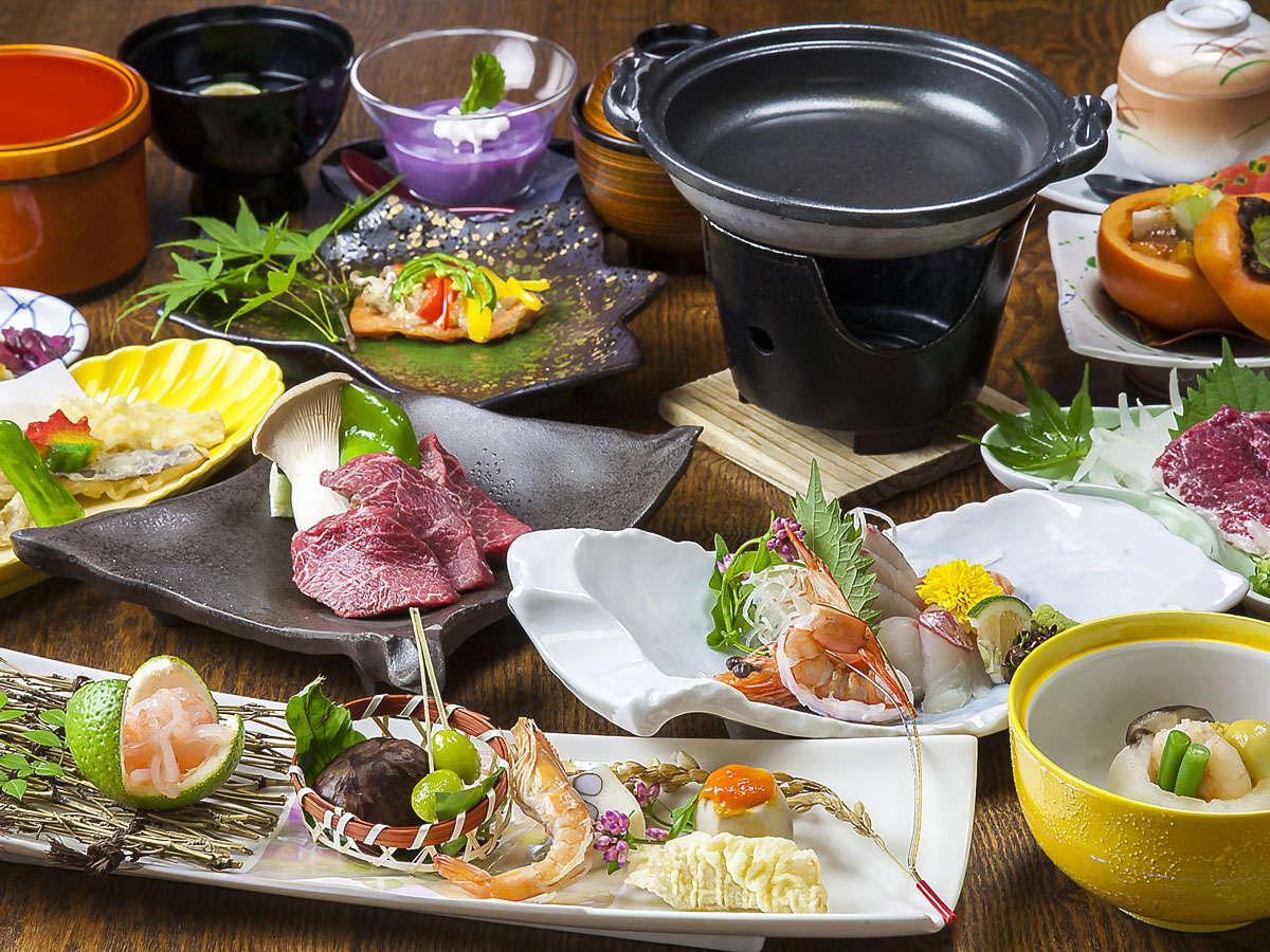 【会席料理 】地産地消を目標に、旬の素材をふんだんに使用した料理長自慢の会席料理。
