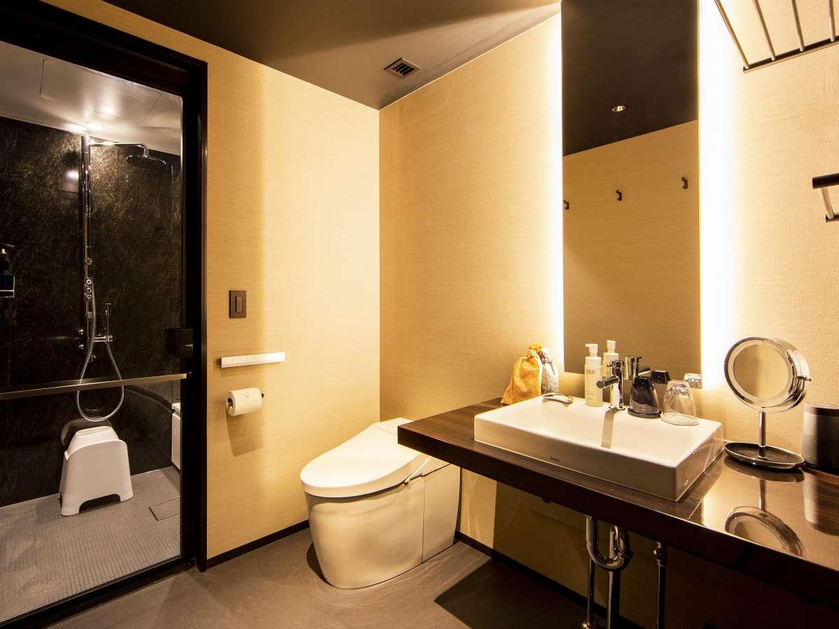 広々したパウダースペースと独立したバスルームでゆったり寛ぐ事が出来ます。