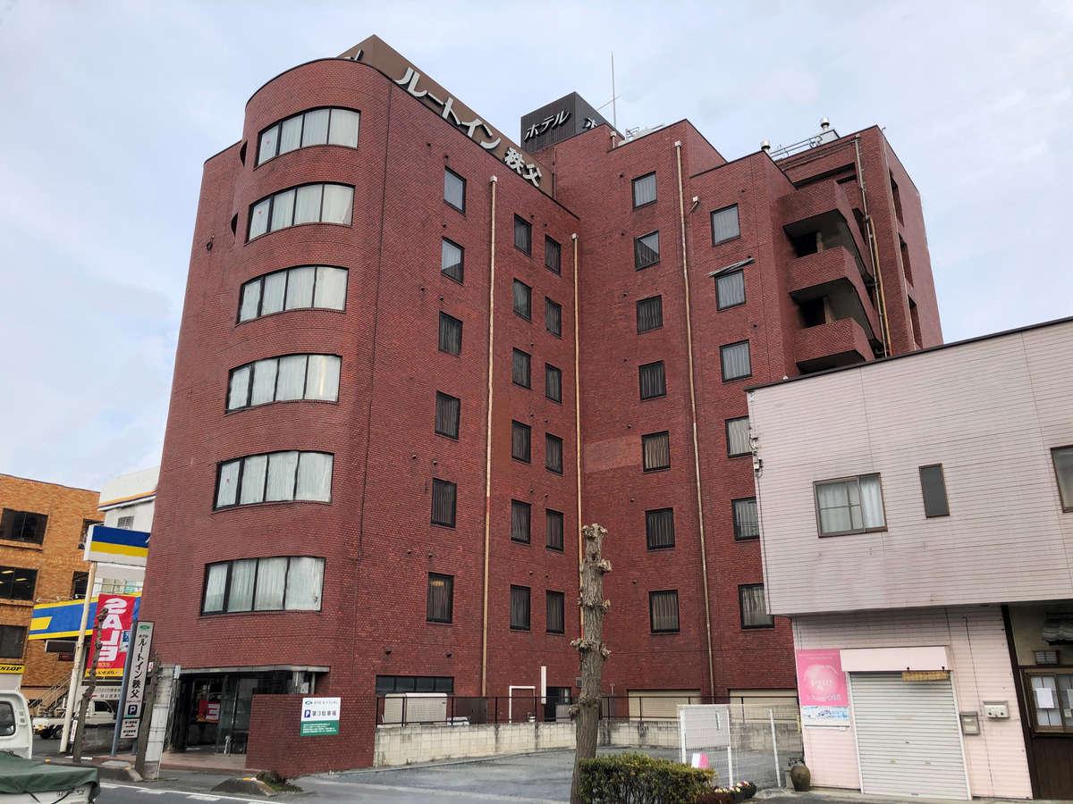 西武秩父駅から徒歩3分!国道140号線沿い!赤いレンガが目印です♪