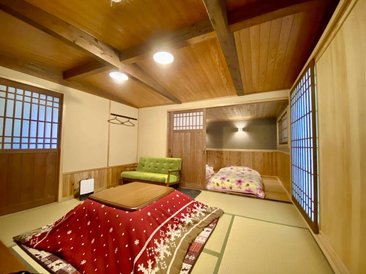 【旧館】耳をすませば小鳥のさえずりが聴こえてくる素敵なお部屋です。コタツは冬季のみ