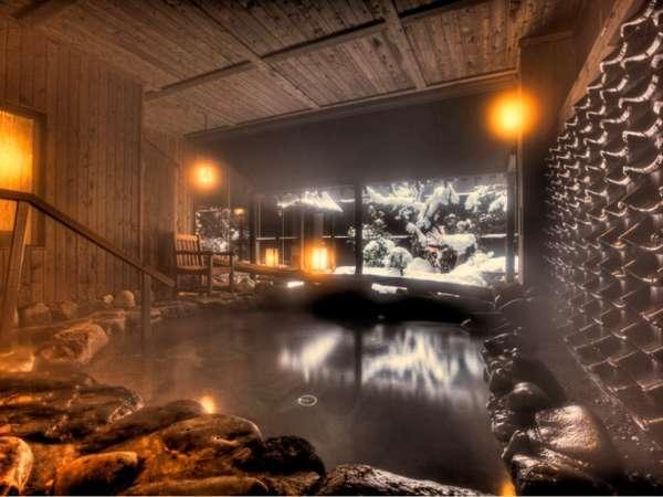 温泉大浴場〝ゆくら〟≪冬の露天風呂≫庭の雪景色を望む壱の湯
