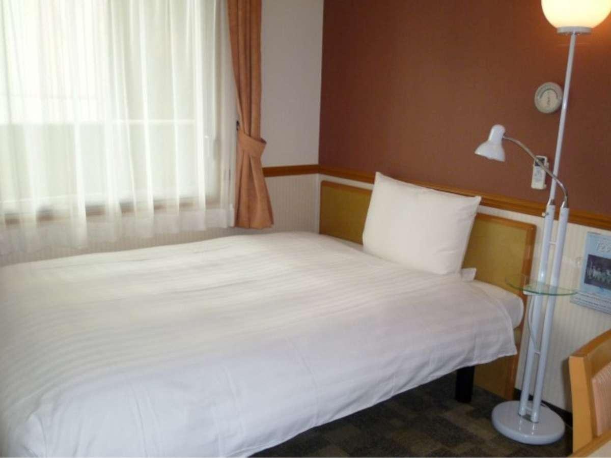 ★シングルルーム★1名様ご利用のベッド幅140㎝10平米のお部屋です。