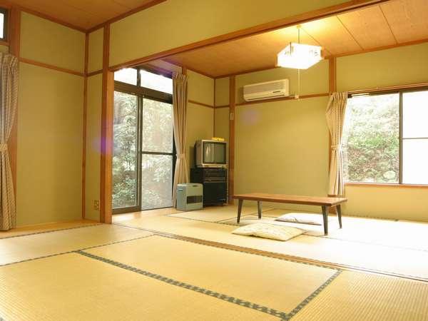 12畳2室、6畳2室の全4室です。浴衣も用意しております。