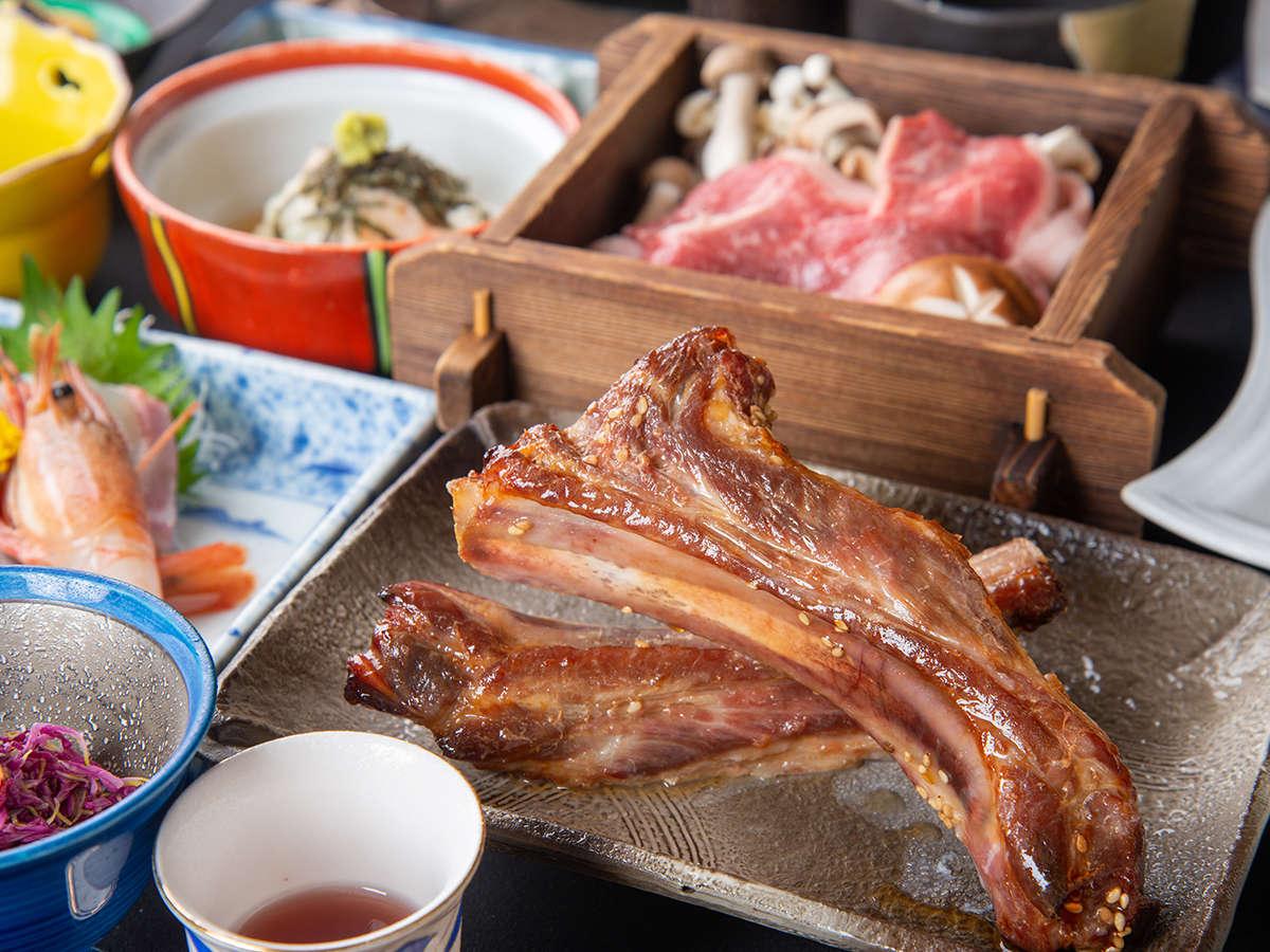 *越後もち豚のスペアリブ/胡麻・醤油・味噌の3種類の味を季節毎に変えてお出ししています