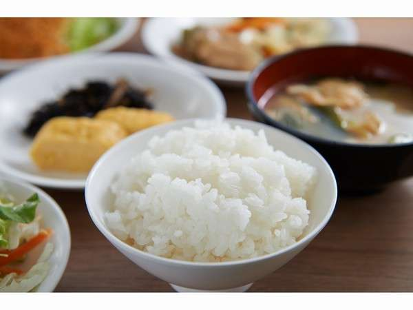 【健康無料朝食】健康に配慮しており、お米は富山県産です。