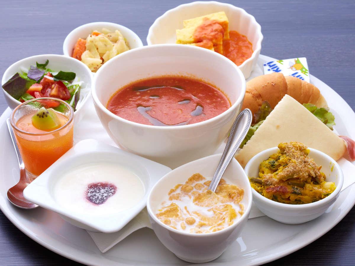 イタリア料理レストラン『トラットリア・ディ・マーレ』の朝食プレートをお楽しみ下さい。