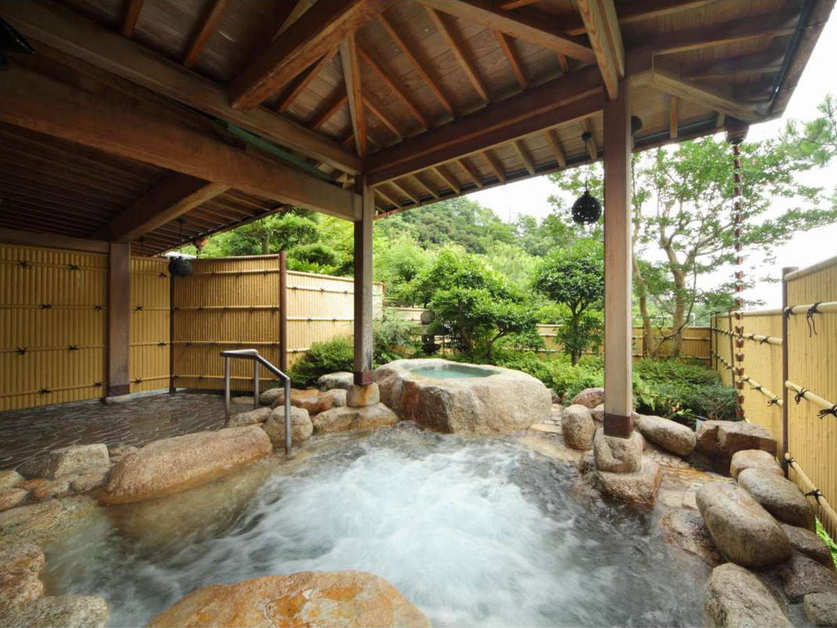 四季折々の景色を感じられる露天風呂