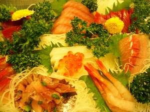 【お刺身】地魚を使った新鮮なお刺身です♪