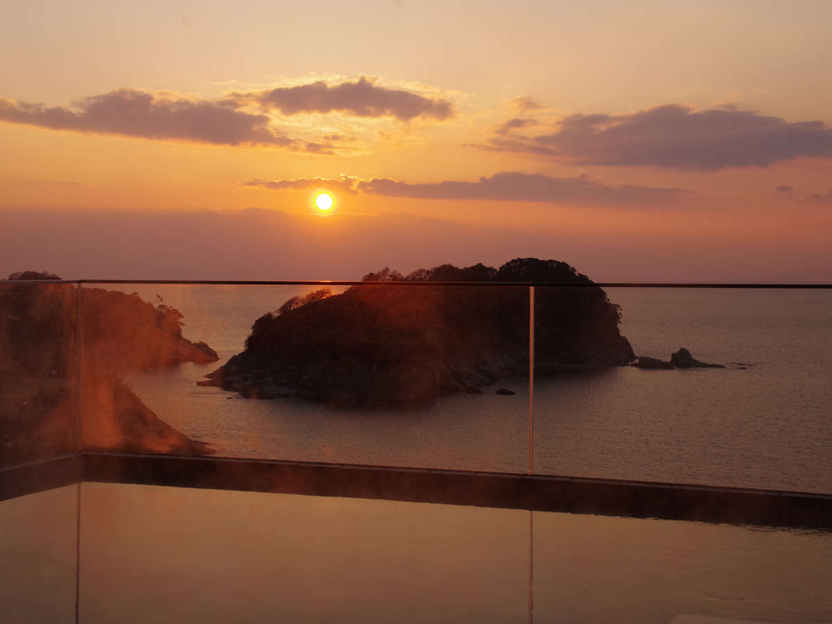 ☆2019年2月新設☆展望浴場「ハナフリ」露天風呂からの夕陽