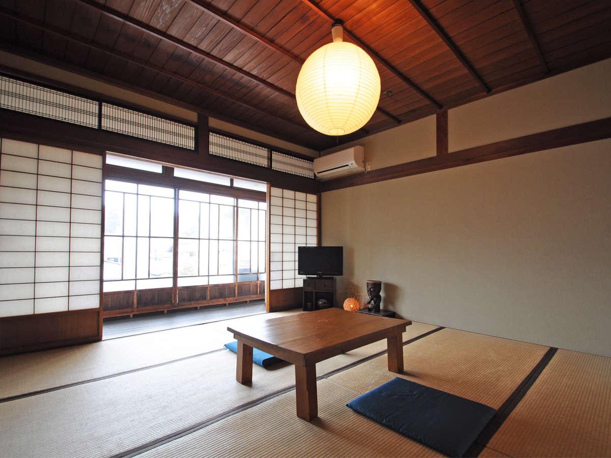 【和室8畳一例】和とアジアン家具のインテリアで落ち着いた空間。